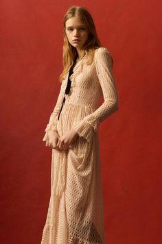 Philosophy di Lorenzo Serafini Pre-Fall 2016 Fashion Show Stylist Liz RDF Fall Fashion 2016, Look Fashion, Runway Fashion, Fashion Models, Fashion Show, Autumn Fashion, Clara Berry, Mode Editorials, Boho