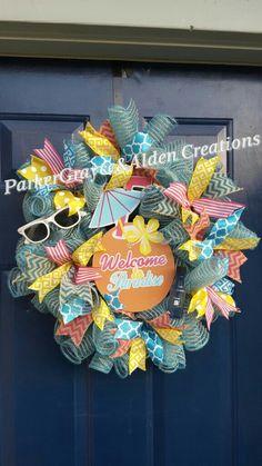 A lil paradise, fun, summer wreath! www.facebook.com/parkergraycealdencreations