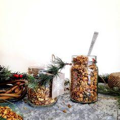 Αλμυρή granola – Let's Treat Ourselves Vegan Vegetarian, Vegetarian Recipes, Edible Gifts, Granola, Food Photography, Treats, Let It Be, Healthy, Sweet