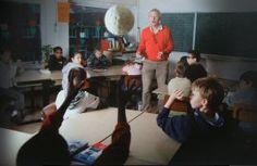 rekenen met de bal. de leerkracht zegt een som, geeft even bedenktijd, gooit de bal naar een kind, kind zegt antwoord en gooit de bal terug. probeer het tempo omhoog te krijgen. geschikt vanaf eind groep 3