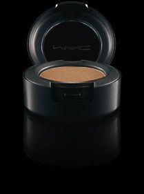 woodwinked - love this for going out - shimmery golden brown makes the neutral smokey eye really pop