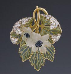 René Lalique -  Pendentif Art Nouveau 'Anémones des bois'. Circa 1900