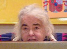В США скончалась автор «Политики пола» феминистка Кейт Милетт http://actualnews.org/exclusive/197584-v-ssha-skonchalas-avtor-politiki-pola-feministka-keyt-milett.html  Сегодня в США в возрасте 82 лет скончалась писательница Кейт Милетт. Её труд «Политика пола» утвердил вторую волну феминизма в 70-е годы прошлого столетия.