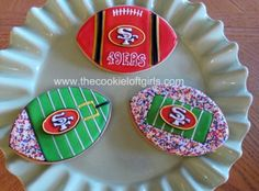 Super Bowl Dessert Ideas for any team Iced Cookies, Cut Out Cookies, Cute Cookies, Royal Icing Cookies, Cupcake Cookies, Sugar Cookies, Gourmet Cookies, Cupcakes, Football Cookies
