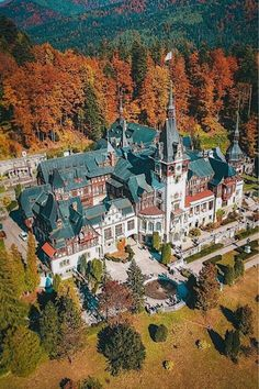 The Peles Castle is one of the most beautiful things to see in Romania. We know how it looks inside, do you want to see? Romanian Castles, Peles Castle, Visit Romania, Tourist Information, Travel Agency, Adventure Awaits, Top Photo, Vacation Destinations, Travel Around