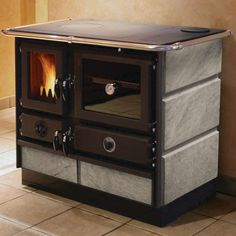 Wood Stove (Cooking) | Holzofen (Kochen)