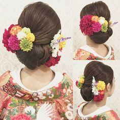 *RIEKO*さんはInstagramを利用しています:「結婚式の前撮り 和装ロケーション撮影のお客様 和っぽくて どっちかに寄せた感じ!と。 あとはお任せ頂きました。 左側に寄せて、 面を出したスタイルに! カラフルでビビッドなカラーのお花を沢山付けて 藤&雪柳っぽいお花を 簪風にさしました。 #ヘア #ヘアメイク #ヘアアレンジ…」