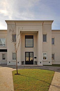 Classic House Exterior, Classic House Design, Dream House Exterior, Building Exterior, Building Design, Casas Country, Greece House, Indian Home Design, Neoclassical Architecture
