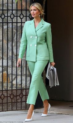 Commute: Ivanka Trump smiled confidently as she left her house for work on Wednesday morning in a pastel green pantsuit and white pointed-toe pumps Ivanka Trump Outfits, Ivanka Trump Photos, Ivanka Trump Style, Business Fashion, Business Outfits, Office Fashion, Business Attire, Mode Bcbg, Classy Outfits