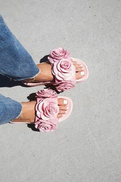 Head over Heels - Jeffrey Campbell Eddie Rose Flatform Sandal at. Cute Shoes, Me Too Shoes, Funky Shoes, Crazy Shoes, Jeffrey Campbell, Hippie Style, Cool Girl, Fashion Shoes, Pink Fashion