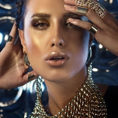 "Yossi Bitton ""MakeUp Collection""<br><br><br>Top Art Style"