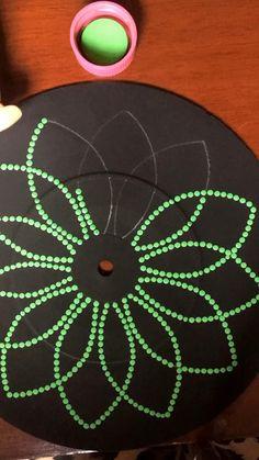 Art Lessons, Mandala Drawing, Art Painting, Rock Painting Designs, Dot Art Painting, Pottery Painting Designs, Diy Christmas Paintings