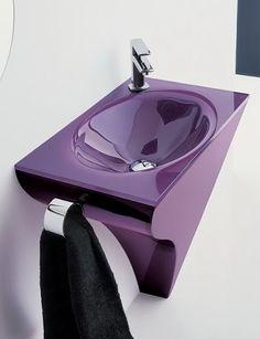Purple color in the interior All Things Purple, Purple Stuff, Purple Furniture, Washbasin Design, Shower Storage, Purple Bathrooms, Lavender Green, Purple Home, Purple Walls