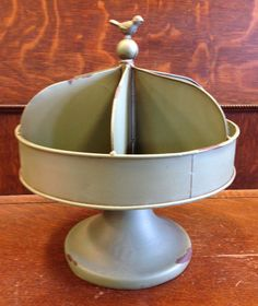 Divided Metal Rotary Tray with Bird Topper, Industrial Vintage Style Tray/6 Bins