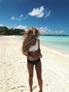 Bora Bora, Travel, Ocean, water bungalows, bucket list, photography, jessakae, french polynesian islands, pool, tropical, paradise, underwater photography, fish, beach, four seasons, floatie, hair, beach hair, beach waves, blonde, blonde hair