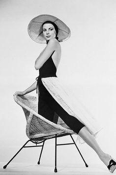 Chaque dimanche, Paris Match retrace en images l'histoire d'une star. Au tour de Grace Kelly.