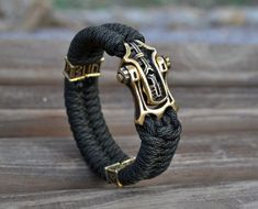 Mens paracord bracelet with unique brass shackle/clasp, viking jewelry, gift for him, mens bangle, a Thoughtful Gifts For Him, Surprise Gifts For Him, Romantic Gifts For Him, Diy Gifts For Him, Silver Bracelets, Bangles, Viking Jewelry, Paracord Bracelets, Messing