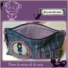 Estuches para lapices. Denim Crafts, Old Jeans, Patchwork Bags, Tote Purse, Cosmetic Bag, Upcycle, Diy And Crafts, Sewing Projects, Sewing Patterns