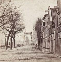 Waar de kleine huisjes staan staat nu theater carré Old Pictures, Amsterdam, Theater, Photography, Painting, Vintage, Art, Nostalgia, Fotografie