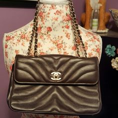 Chocolate Brown Chanel Leather Handbag with Gold C Vintage. 100% AUTHENTIC. Dust bag included. Over 15 years old. Great condition. CHANEL Bags Shoulder Bags