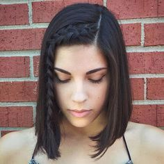 19 Hottest Asymmetrical Bob Haircuts for 2019 For Women - Style My Hairs Medium Bob Hairstyles, Hairstyles With Bangs, Girl Hairstyles, Braided Hairstyles, Beach Hairstyles, Medium Hair Styles, Curly Hair Styles, Short Hair With Bangs, Thin Hair