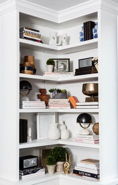House Decoration & Design — vintageluxe: the glitter guide Corner Shelving Unit, Corner Bookshelves, Built In Bookcase, White Corner Bookcase, Bookshelf Design, White Shelves, Wall Shelves, Floating Shelves, Bookshelf Styling