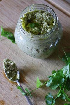 pesto-di-zucchine-e-mandorle-senza-formaggio-proteico