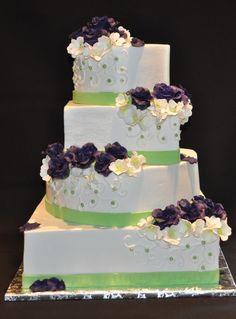 Wedding Cakes Pictures: Purple & Green Square Wedding Cakes   My ...
