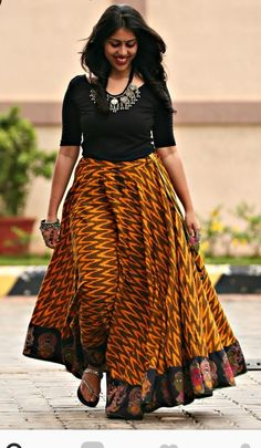 Indian Skirt, Dress Indian Style, Indian Dresses, Indian Outfits, Long Gown Dress, Frock Dress, Blouse Dress, Long Skirt Fashion, Fashion Dresses