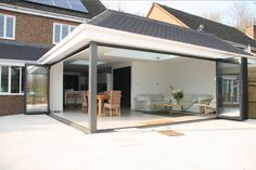 bespoke modern single storey extension installer create photo gallery for website single storey extension roof design House Extension Design, Glass Extension, Roof Extension, Extension Ideas, Extension Google, Kitchen Extension With Bifold Doors, Kitchen Diner Extension, Garden Room Extensions, House Extensions