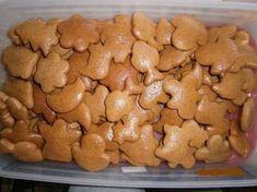 Najlepšie mäkké medovníčky | Czech Desserts, Sweet Desserts, Sweet Recipes, Slovak Recipes, Czech Recipes, Xmas Cookies, Gingerbread Cookies, Baking Recipes, Cookie Recipes