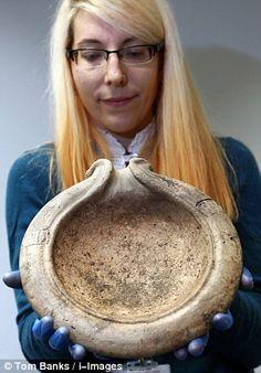 Při úpravě dálnice bylo objeveno 177 000 starověkých artefaktů, z nichž mnohé přepisují historii | LovecPokladu.cz