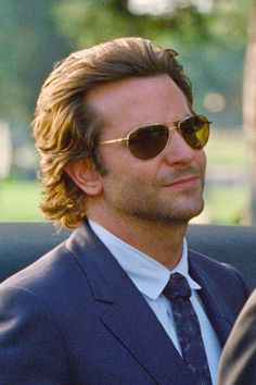 Bradley Cooper Hair, Brad Cooper, Medium Hair Styles, Long Hair Styles, Shaved Head, Actors, Hollywood Actor, Attractive Men, Haircuts For Men