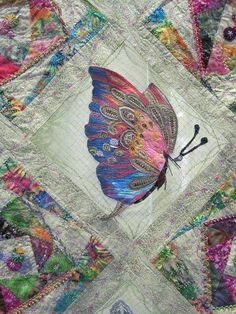 This type of patchwork quilts is certainly an extraordinary design procedure. Crazy Patchwork, Patchwork Quilting, Quilt Stitching, Applique Quilts, Crazy Quilting, Crazy Quilt Stitches, Ribbon Embroidery, Embroidery Stitches, Embroidery Patterns