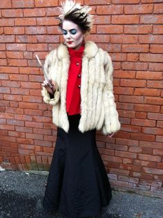 Pin for Later: 48 Stylish DIY Costumes That Are Just Too Easy Cruella de Vil