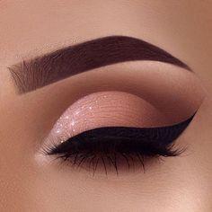 Fabulous Eye Makeup Ideas Make Your Eyes Pop Soft Glam Eye Make-up - sexy Augen Make-up Ideen Sexy Eye Makeup, Creative Eye Makeup, Makeup Eye Looks, Beautiful Eye Makeup, Eye Makeup Art, Colorful Eye Makeup, Smokey Eye Makeup, Cute Makeup, Glam Makeup