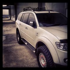 Pajero Sports Dakar 4x4 on 31inch tyres