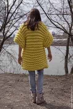 Кофты и свитера ручной работы. Ярмарка Мастеров - ручная работа. Купить кардиган… Knit Sweater Outfit, Extreme Knitting, Yellow Cardigan, Sweater Weather, Lana, Crochet Projects, Merino Wool, Fashion Models, Knitwear