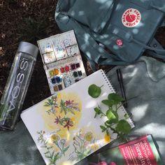 artsy style aesthetic ✐ watercolor flower painting ✎ blue fjallraven kanken ✐ voss water bottle