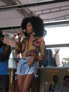 solange knowles...lovin her style. ~African fashion, Ankara, kitenge, African women dresses, African prints, African men's fashion, Nigerian style, Ghanaian fashion ~DKK