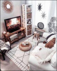 Boho decorations, bohemian living room, boho interior design, mid-century modern living room, old li Boho Living Room, Bohemian Living, Cozy Living Rooms, Living Room Decor, Bedroom Decor, Modern Bedroom, Bedroom Ideas, Bohemian House, Design Salon