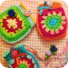 Inspiration :: Cute little bags (no patterns)   . . . .   ღTrish W ~ http://www.pinterest.com/trishw/  . . . .   #crochet #granny_square #motif