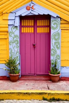 Isla Mujeres, Quintana Roo, Mexico I would love to do something like this around my front door but my decorator friend, house appraiser neighbor, & realtor friend all freaked out when I painted my exterior doors teal! Cool Doors, Unique Doors, When One Door Closes, Grand Entrance, Closed Doors, Door Knockers, Doorway, Belize, Windows And Doors