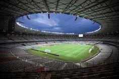 hoje é dia de Taça Libertadores e o Mineirão vai ser palco do jogo entre Cruzeiro e River Plate. enquanto você espera ansioso pela partida, conheça todas as novidades do Mineirão depois da reforma: http://www.bimbon.com.br/arquitetura/novo_mineirao_conheca_as_novas_instalacoes_do_maior_estadio_de_bh?utm_content=buffer6ea66&utm_medium=social&utm_source=pinterest.com&utm_campaign=buffer
