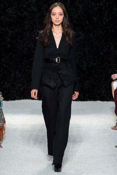 Vera Wang Spring 2015 Ready-to-Wear Fashion Show - Fei Fei Sun