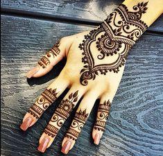 Nails & Henna |