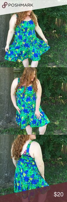 "Blue & Green floral plus size dress 👗🍃 Perfect summer dress! Flares out at bottom. Excellent condition. Cotton/spandex for stretch. My bust of 42"" was slightly too big to zip up in back. Ideal for 40"" or 38"" bust. Waist is 44""-46"". Cato Dresses Mini"