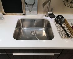 cutouts / edges / framings Kitchen Worktop, Kitchen Units, Sink Units, Wall Trim, Some Like It Hot, High Walls, Ceramic Sink, Stainless Steel Sinks, Ceramic Materials