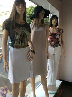 Vitrine Closet Mulher  Top, saia, alfaiataria, vestido e acessórios  www. Facebook/closetmulher.com