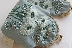 Floral coin purse embroidered kisslock purse linen purse